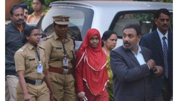 ഹാദിയ: ഇടക്കാല  സുപ്രിംകോടതി ഉത്തരവ്  ഉയര്ത്തുന്ന ചോദ്യങ്ങള്
