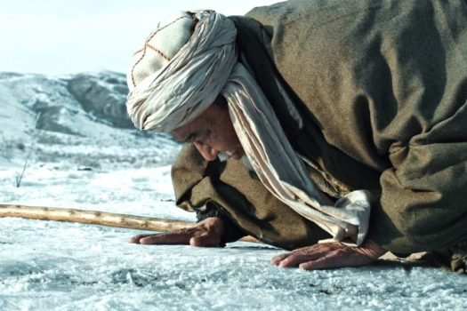 റിട്ടേണി; സ്വത്വത്തിന്റെ വസന്തകാലത്തിലേക്ക് മടങ്ങിപ്പോകുന്നവര്